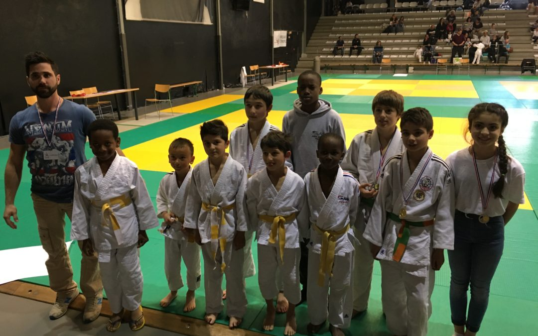 TOURNOI LABELLISE LORMONT POUSSINS BENJAMINS MINI POUSSINS